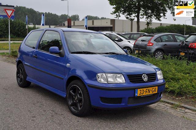 Volkswagen Polo 1.4-16V Trendline/STUURBEKRACHTIGING/TREKHAAK/LM-VELGEN/nieuwe APK/NAP/ZEER ZUINIG IN VERBRUIK