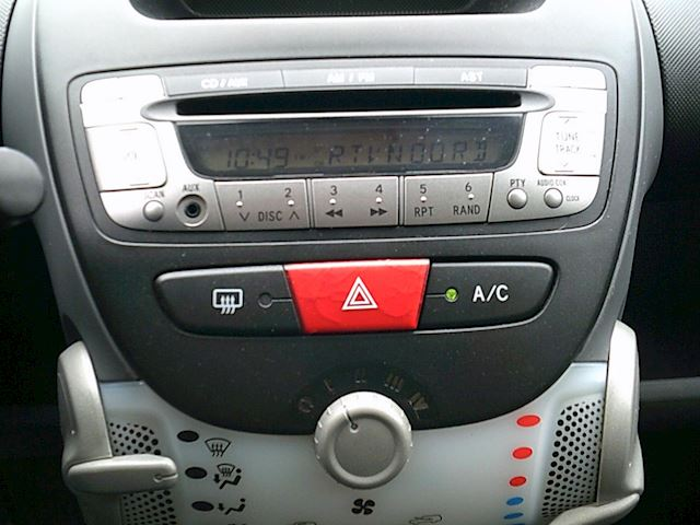 Peugeot 107 1.0-12V Millesim (5-drs./AIRCO)
