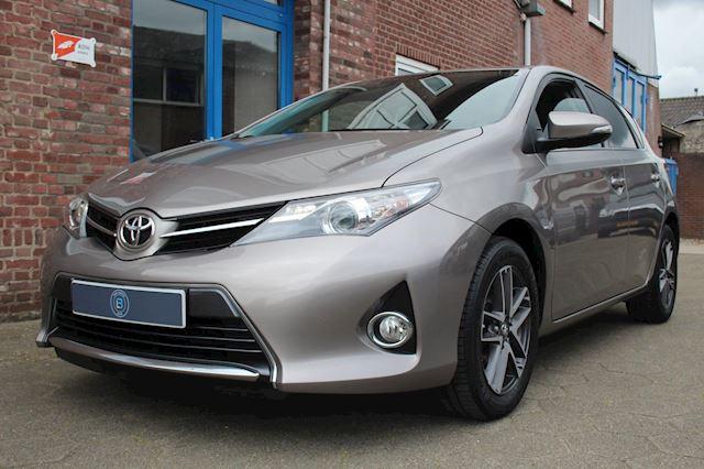 Toyota Auris 1.6 Now Top 5 editie 5DRS 132PK * NAVI / CAMERA / CRUISE*