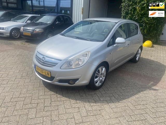 Opel Corsa 1.4-16V Cosmo,AUTOMAAT, Cruis,Clima,inruil mog.