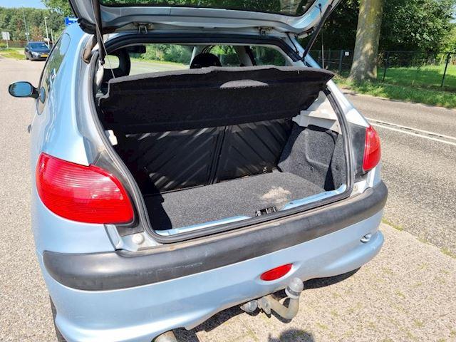 Peugeot 206 1.6-16V XS Premium