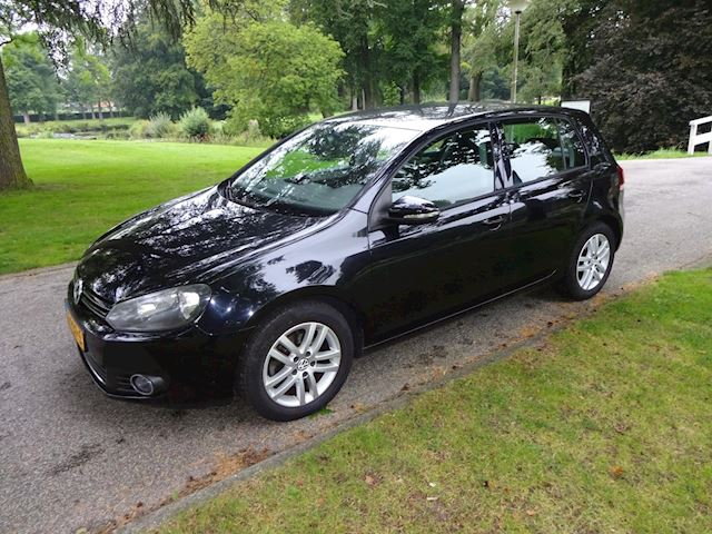 Volkswagen Golf 1.2 TSI Highline BlueMotion.clima.cruise control.