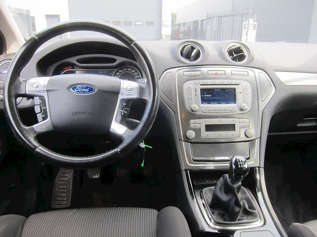 Ford Mondeo Wagon 2.0-16V Limited NAVI CLIMA TREKHAAK NAP!!