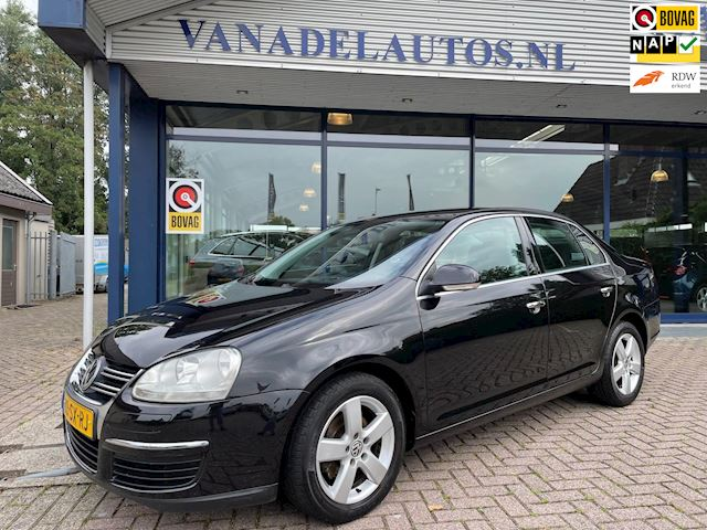 Volkswagen Jetta 1.6 FSI Comfortline Clima Cruise Navi Trekhaak NL- Auto NAP Dealer onderhouden!