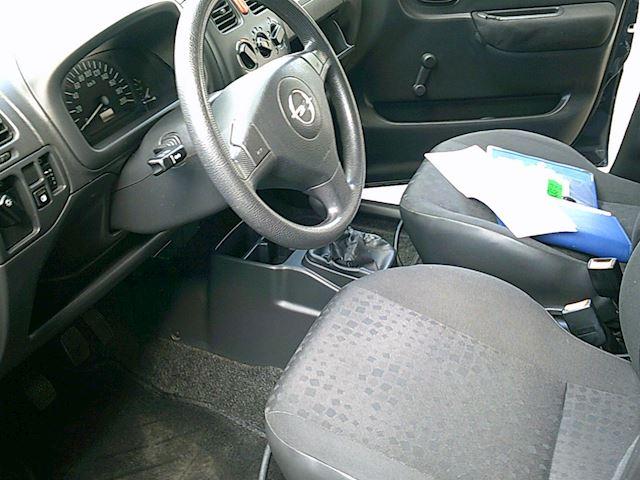 Opel Agila 1.2-16V Essentia