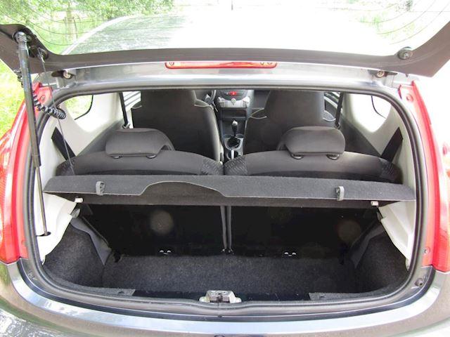 Peugeot 107 1.0-12V XS origineel NL auto en NAP.