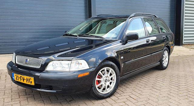 Volvo V40 2.0 T AUT 2000 Zwart NAP*APK 2022*NAVI