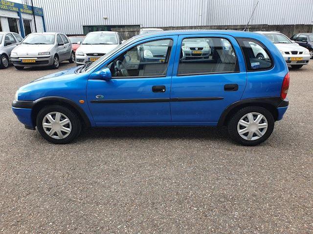 Opel Corsa 1.4i CDX, ABSOLUTE NIEUWSTAAT, dealer onderhouden