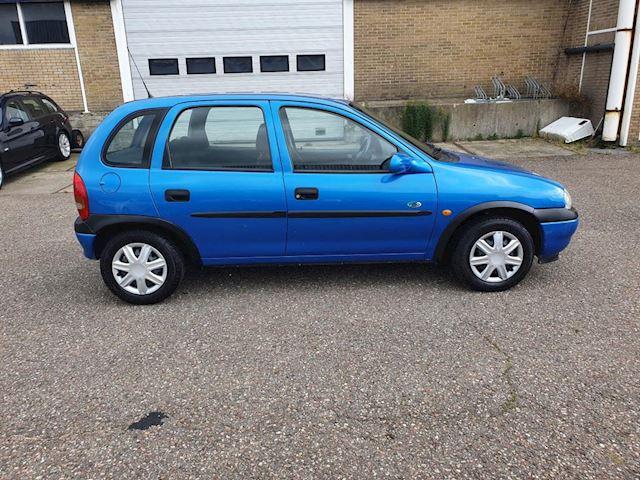 Opel Corsa 1.4i CDX, ABSOLUTE NIEUWSTAAT,dealer onderhouden