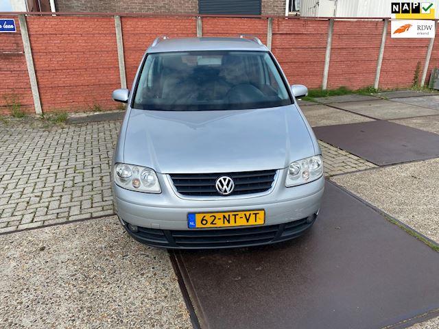 Volkswagen Touran 1.6-16V FSI Highline