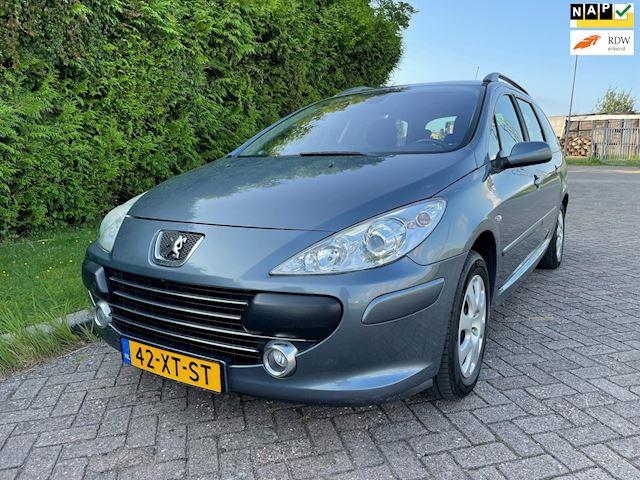 Peugeot 307 Break 1.6 HDiF Premium,Bj 2007,Navi,Clima,Cruise,Trekhaak