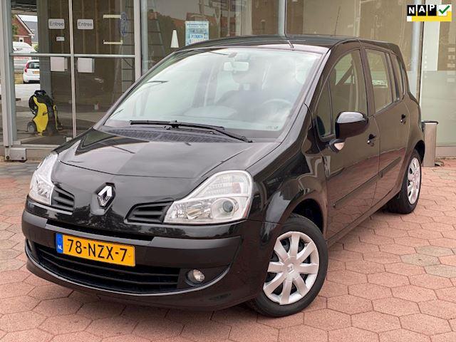 Renault Grand Modus 1.6-16V Dynamique Automaat (bj 2011)