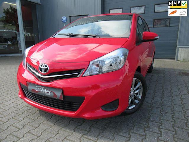 Toyota Yaris 1.0 VVT-i Lounge / Navi / Airco / Afn. Trekhaak / Lmv / Achteruitrijcamera
