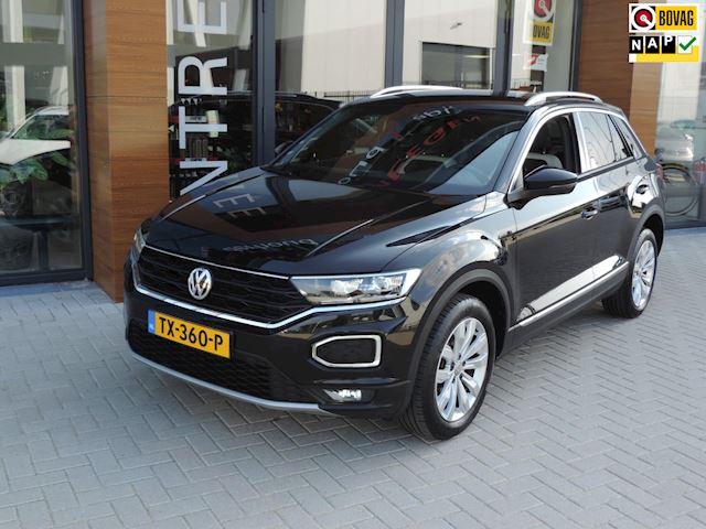 Volkswagen T-Roc 1.0 TSI Sport | Virtual dashb. | Afn. Trekhaak | LED kopl | Navi | Adapt Cruise