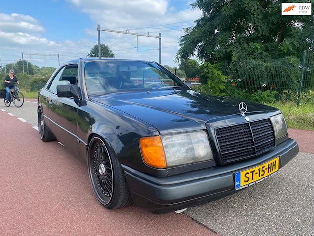 Mercedes-Benz 200-500 (W124) 230 CE
