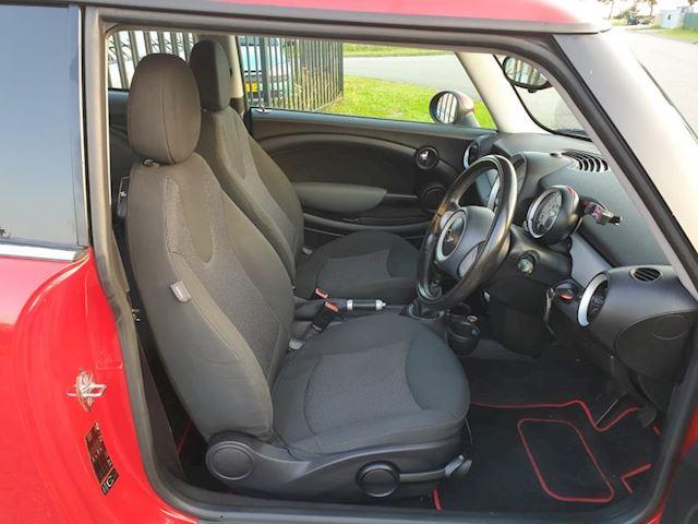 Mini Mini 1.6 Cooper D 3 deurs rechts gestuurd