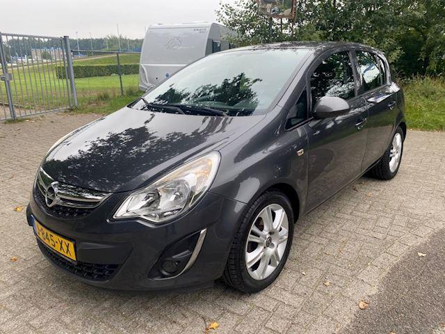 Opel Corsa 1.2-16V Selection nieuwe apk airco