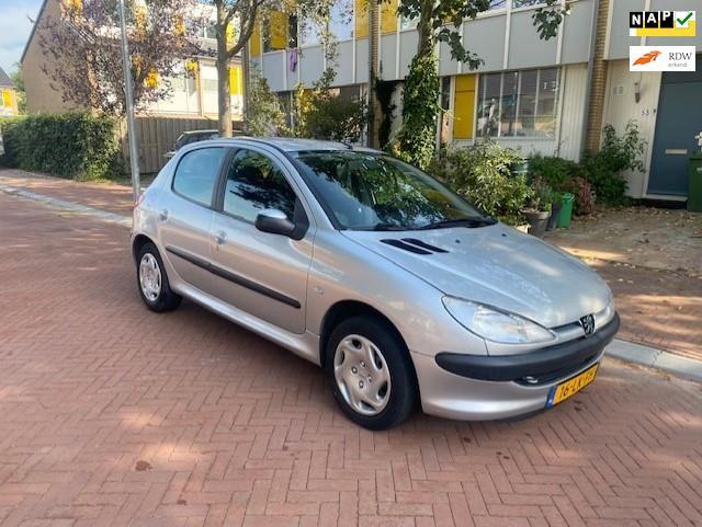 Peugeot 206 occasion - Autobedrijf Otoman