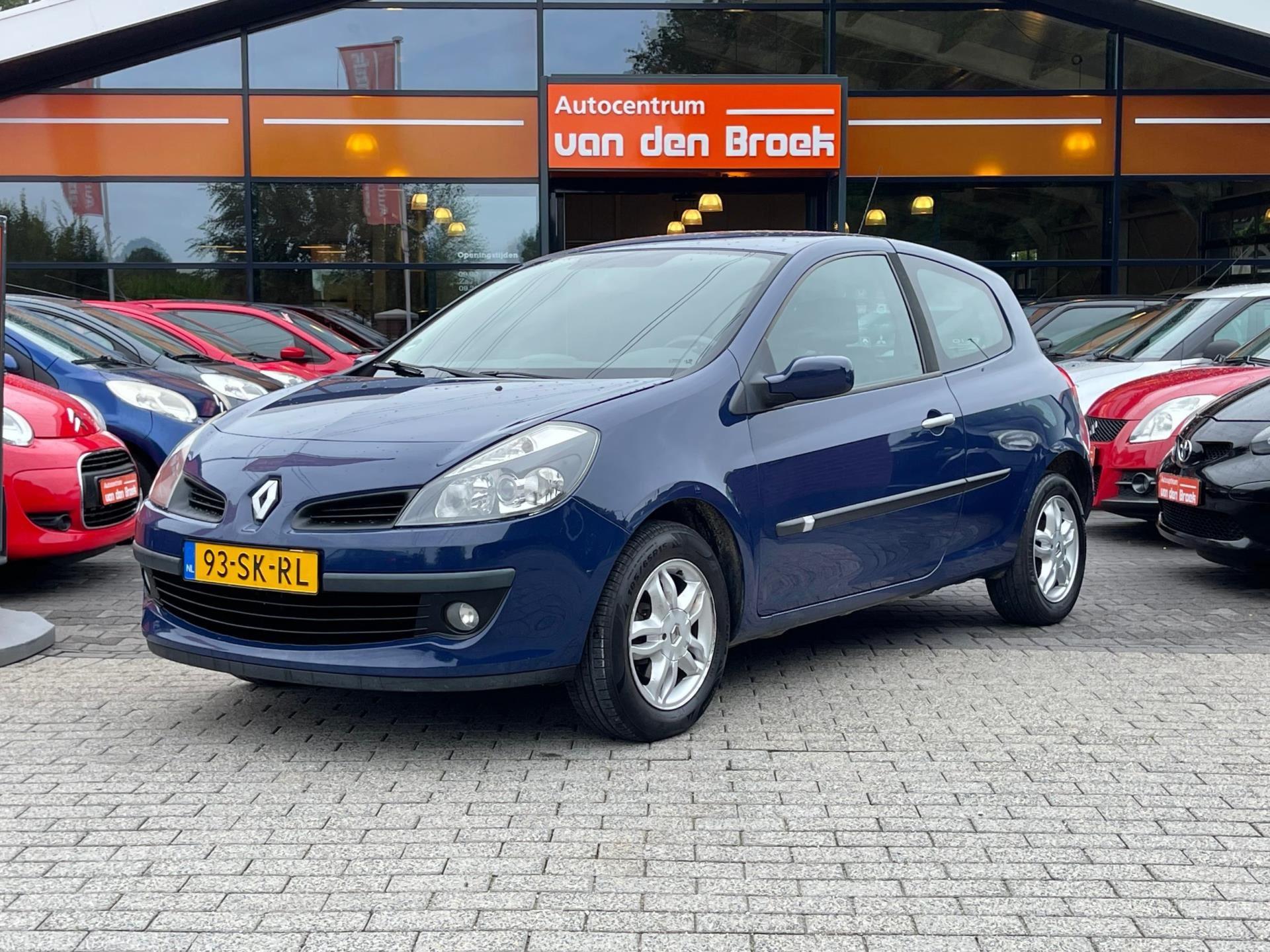 Renault Clio occasion - AutoCentrum A. van Den Broek