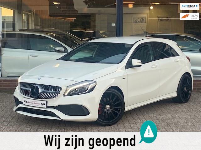 Mercedes-Benz A-klasse 180 Edition AMG! Camera/Alcantara/Xenon/18' AMG/Led Performance/PDC/Cruise/1e eigenaar/Dealer OH/Nieuwstaat