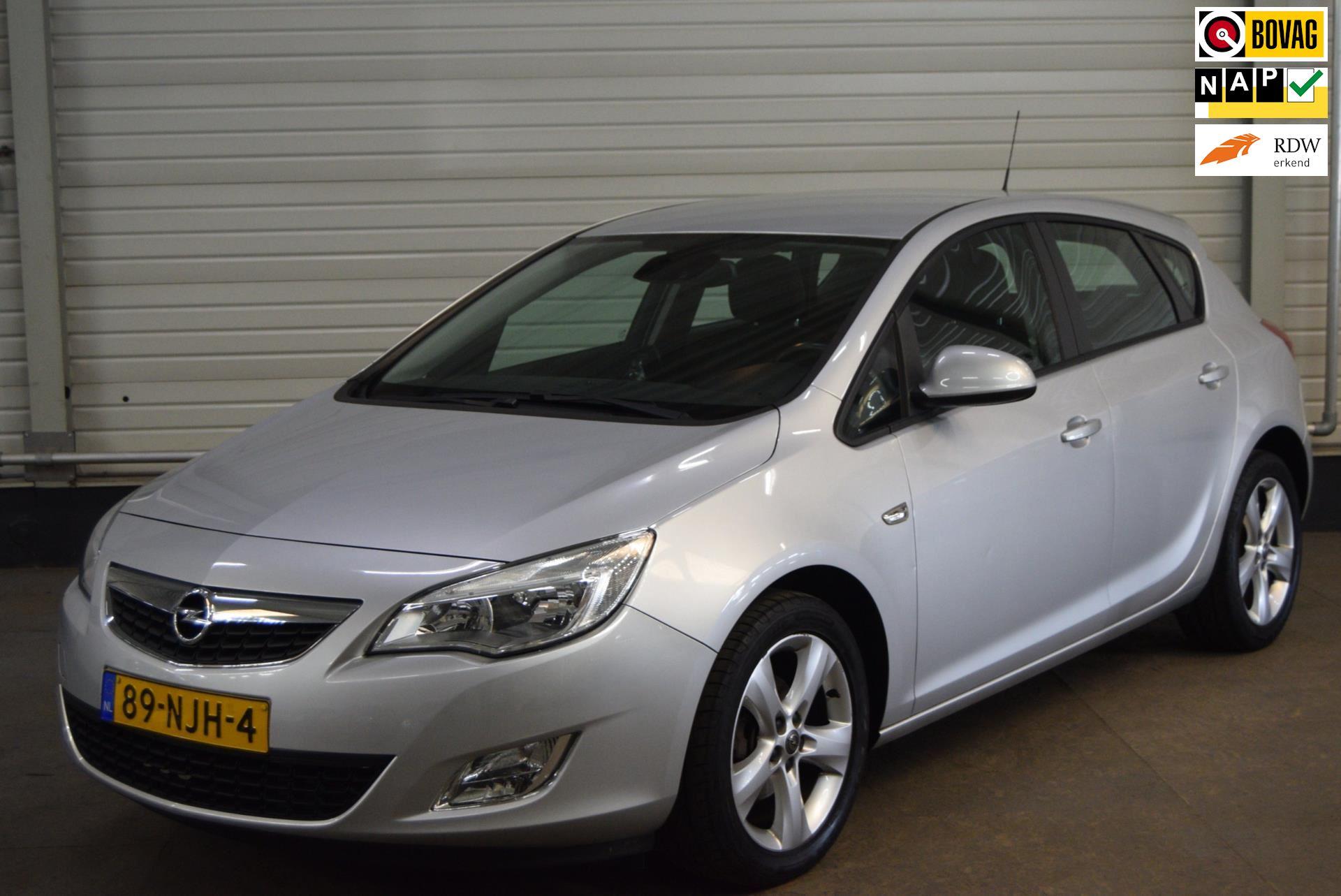 Opel Astra occasion - Autobedrijf van de Werken bv