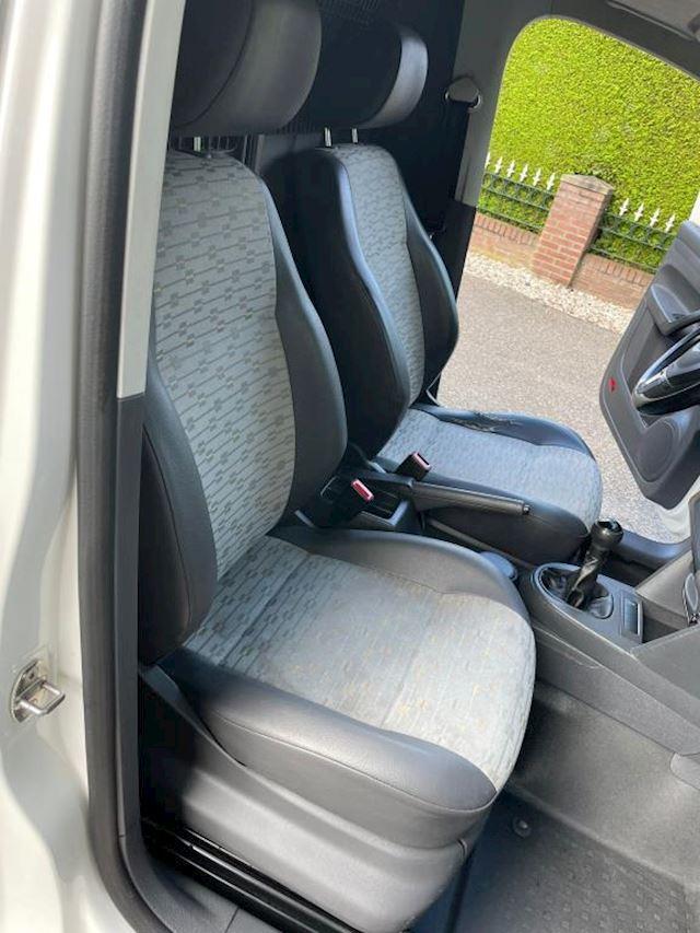 Volkswagen Caddy 1.6 TDI airco, carplay, camera