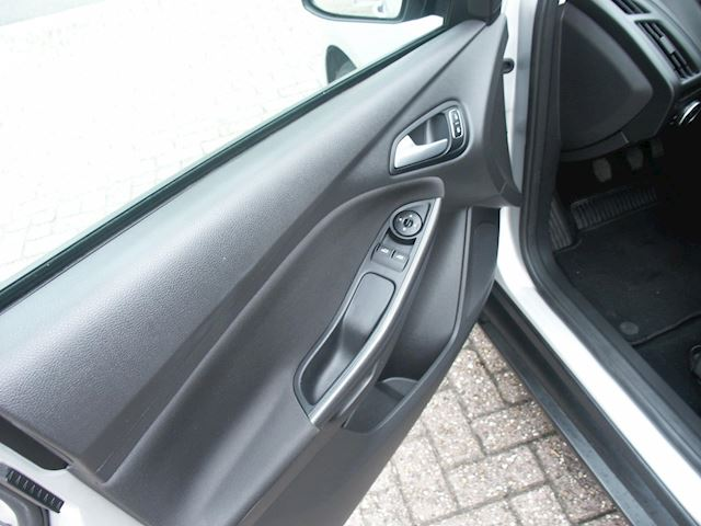 Ford Focus Wagon 1.0 Titanium 125PK