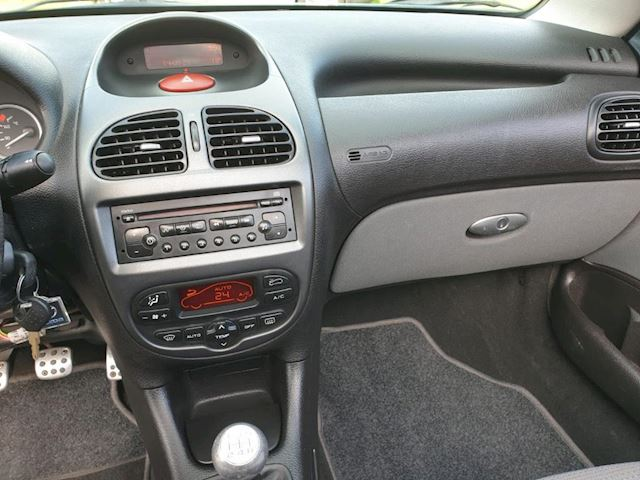 Peugeot 206 CC 1.6-16V 2 deurs