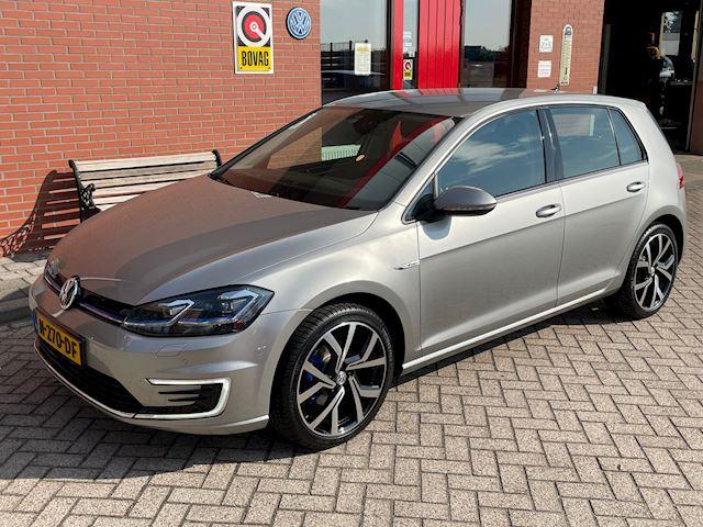 Volkswagen E-Golf € 22.950,- incl BTW   Keyless   Carplay   Digitale cockpit   Adaptieve cruise control  