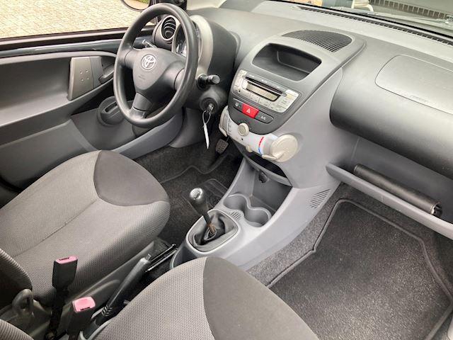 Toyota Aygo 1.0-12V + 5-Drs. Airco