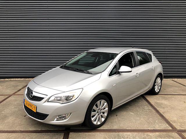 Opel Astra 1.4 Turbo Cosmo NAVIGATIE/ ZEER NETTE AUTO !!