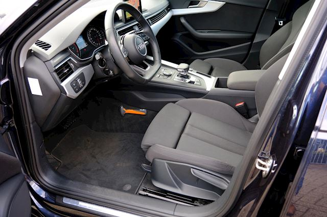 Audi A4 occasion - FLEVO Mobiel