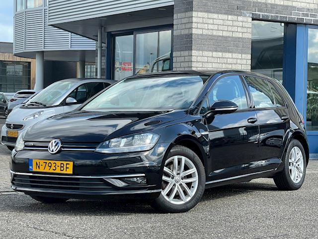 Volkswagen Golf 1.5 TSI NAVI/APPLE CARPLAY ECC LMV PDC V+A Comfortline Business