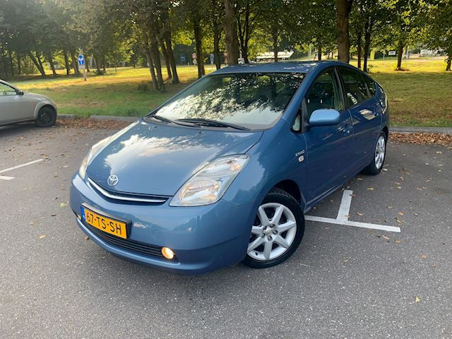 Toyota Prius 1.5 VVT-i Tech Edition I NAVI I CAMERA I DEALER ONDERHOUDEN!!!!