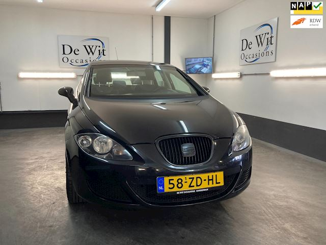 Seat Leon 1.6 Reference uitv. incl. 18'' LM WIELEN/AIRCO. incl. NWE APK/GARANTIE.