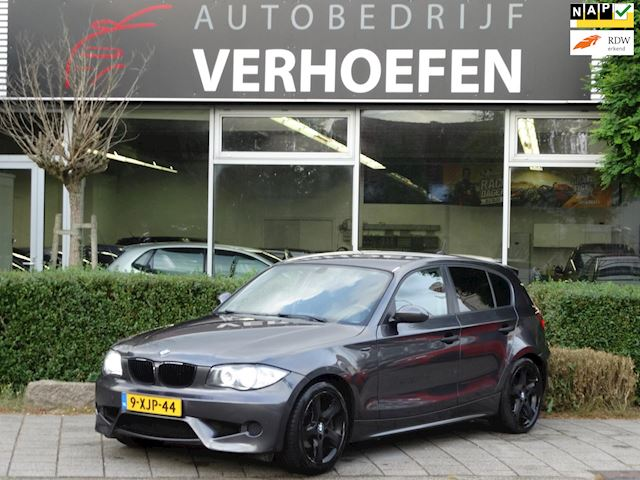 BMW 1-serie 116i - M-PAKKET - GROOT DISPLAY - AIRCO - XENON - LEDER !!