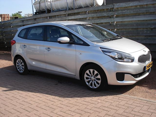 Kia Carens 1.6 GDi First Edition 7 Persoons, Navigatie