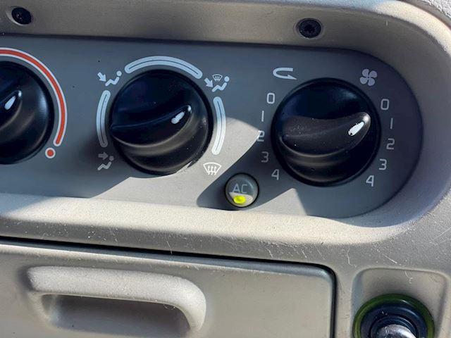 Renault Twingo 1.2-16V Privilège airco leder panoramadak