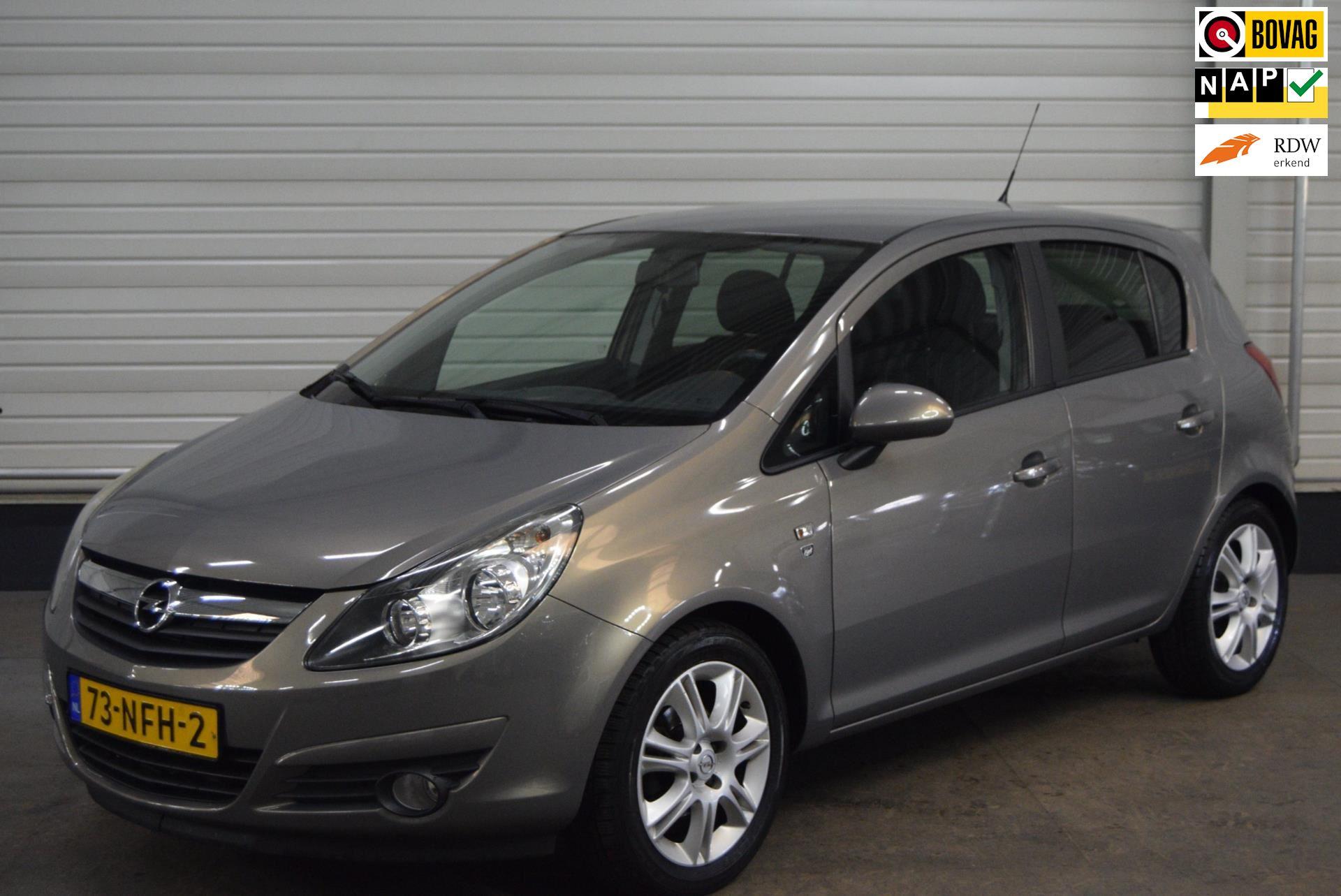 Opel Corsa occasion - Autobedrijf van de Werken bv