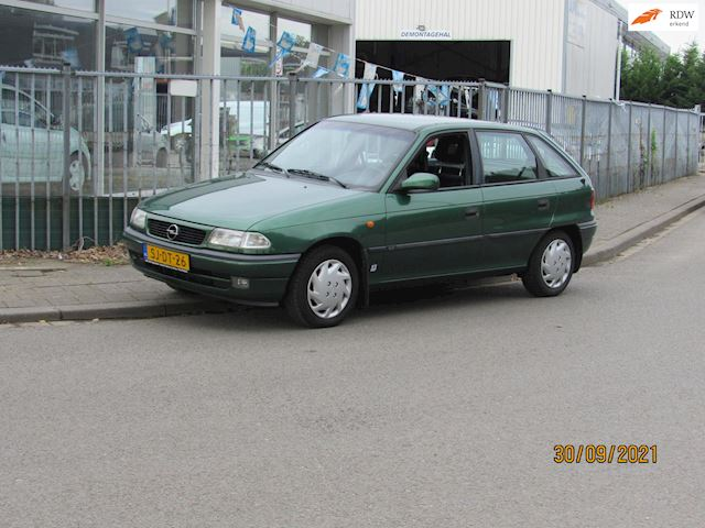 Opel Astra 1.6i GL,trekhaak,4deurs