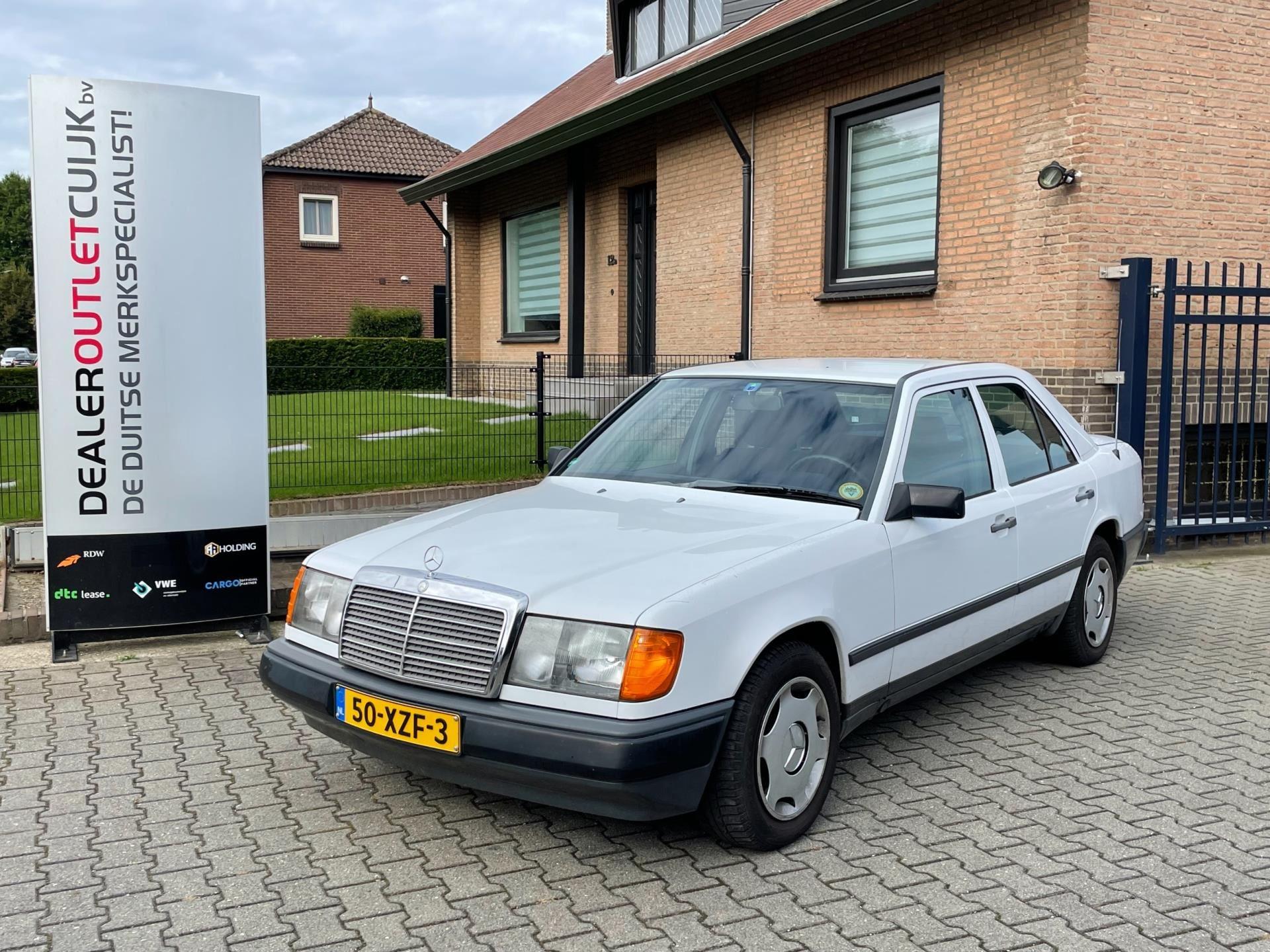 Mercedes-Benz 200-500 W124 occasion - Dealer Outlet Cuijk b.v.