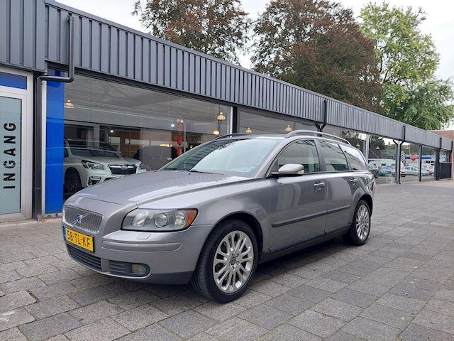Volvo V50 2.5 T5 AWD Momentum Goed oh/Leer/Clima/Cruise/ Trekhaak/Stoelverwarming/Spoiler/Telefoon/High performance sound