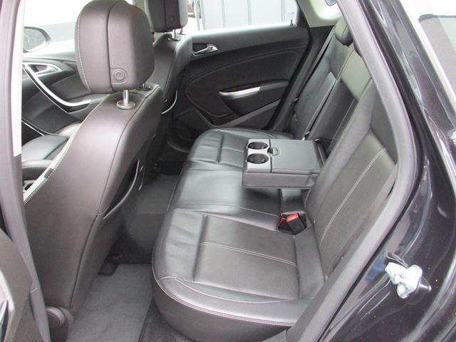 Opel Astra 1.6 Turbo Sport AUT LEER NAVI XENON 128DKM !