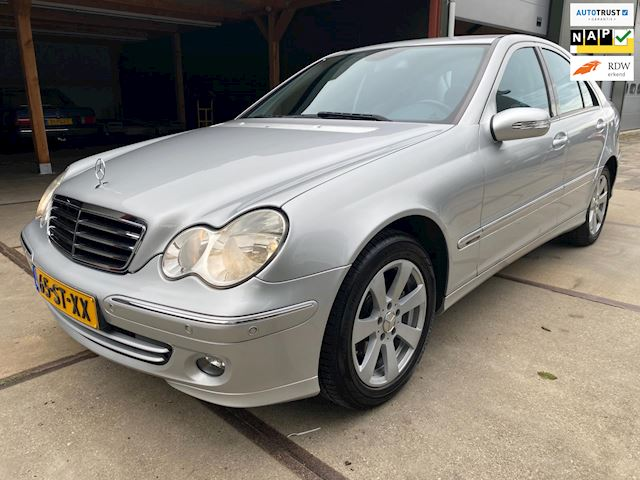 Mercedes-Benz C-klasse 180 K. Avantgarde Automaat Org NL 74dkm Dealer onderhouden Topstaat Youngtimer