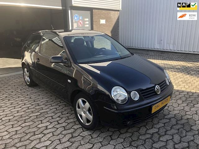 Volkswagen Polo 1.4-16V Highline !! CLIMATRONIC !! AUTOMAAT!!