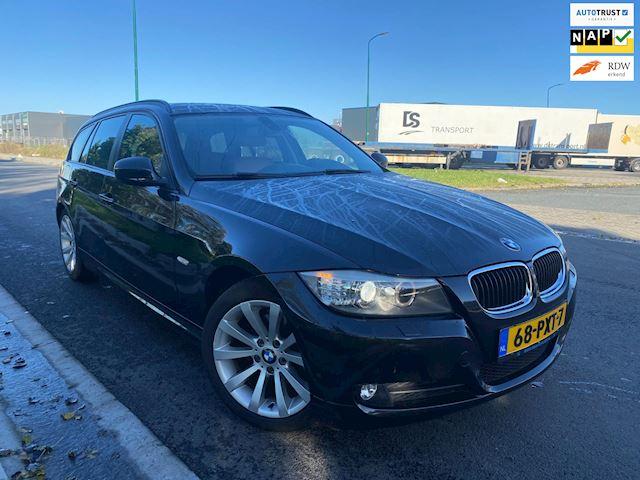 BMW 3-serie Touring 318i Business Line/2011/Sport ledere/Xenon/Breedbeeld navigatie/Dealer onderhouden/Boeken en sleutels compleet