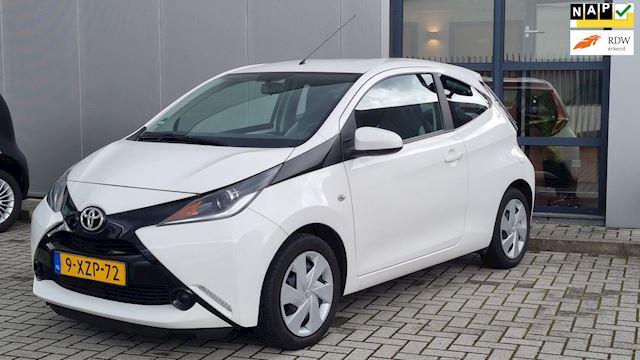 Toyota Aygo 1.0 VVT-i x-play Wit 2014