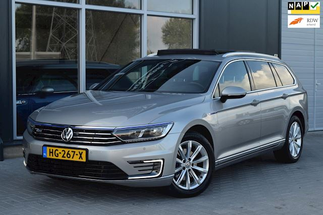 Volkswagen Passat Variant 1.4 TSI GTE Highline   Vol Optie !   NAP + APK 11-2023 !