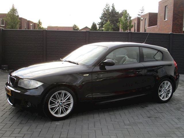 BMW 1-serie 118i M PAKKET LEER NAVI XENON VOL !!