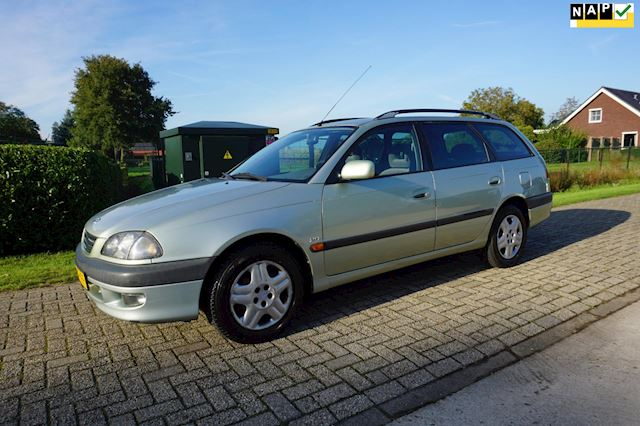 Toyota Avensis Wagon 2.0 Sol automaat